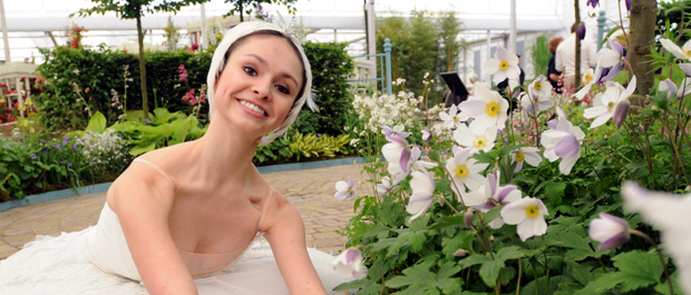 English National Ballet School dancer Beth Finch with Anemone Wild Swan